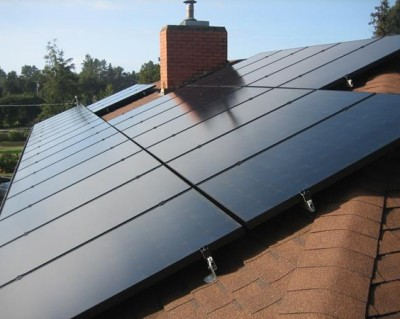 solar panels on a Mendocino County rooftop feed a solar electric system installed by Mendocino Solar Service